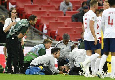 Shaw se perderá el partido ante el Watford por el golpe sufrido contra España