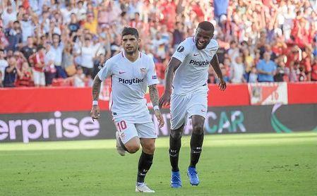 Banega celebra el 1-0 logrado por el argentino de falta directa