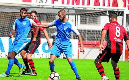 El Alcalá logró su primera victoria del curso ante la Roteña.