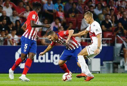 El Atlético golea al Huesca con un 3-0 en la primera mitad