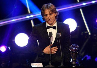 Luka Modric se impone a Cristiano Ronaldo en el ´The Best´