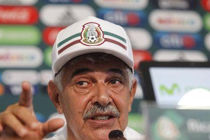 """El """"Tuca"""" Ferretti seguirá como entrenador del """"tri"""" por cuatro partidos más"""