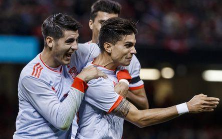 Bartra celebra su gol con España ante Gales.