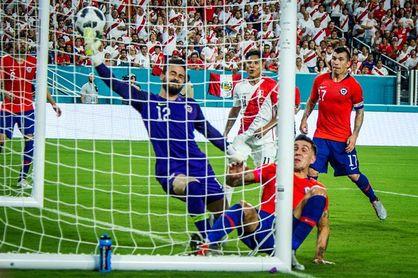 """0-3. Perú golea con autoridad y buen fútbol en el """"clásico del Pacífico"""""""