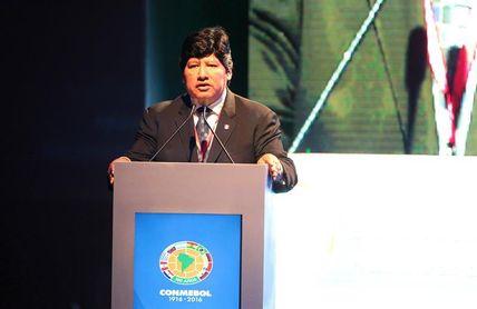 El presidente de la Federación Peruana de Fútbol incluido en la investigación a una banda