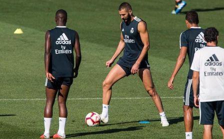 Benzema se une al grupo, Bale en el gimnasio