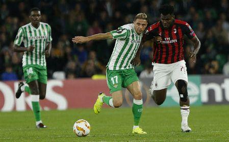 Betis 1-1 Milan: Se siente desnudo si no lleva el frac