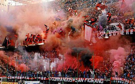 La radiografía de la Curva Sud, los ultras que también 'jugarán' el Betis-Milan