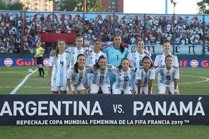 Argentina goleó a Panamá y toma una importante ventaja de cara a la revancha
