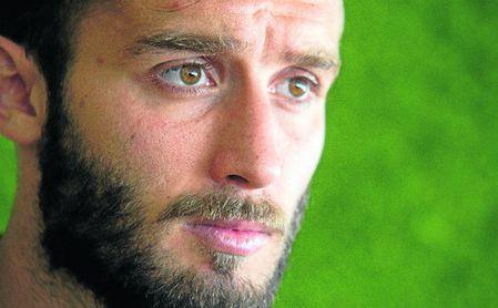 Germán Pezzella, que posa en la imagen para una entrevista con ESTADIO Deportivo, se sincera sobre su marcha del Betis.