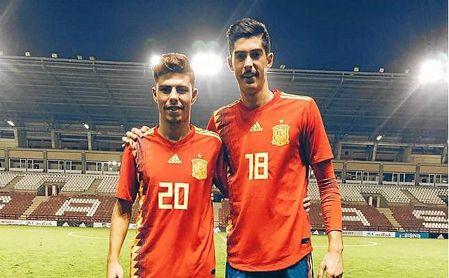 Alejandro Pozo y Carlos Fernández, las 'joyas' con minutos en el 4-1 de la 'Rojita'