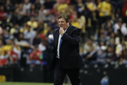El mal estado de la cancha del Azteca obliga al América a cambiar de estadio