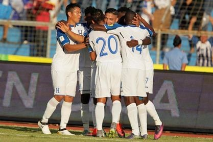 La selección de Honduras viajó a Chile para el amistoso del martes en Temuco
