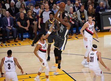 116-110. Durant pone la magia encestadora con 49 puntos y ganan los Warriors