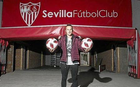 Raquel Pinel, jugadora del Sevilla FC Femenino, durante la entrevista a ESTADIO.