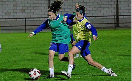 El Betis Féminas se entrena en tierras riojanas.