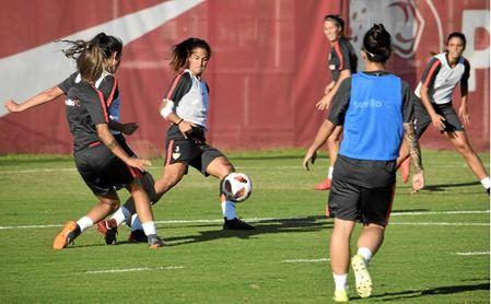 Entrenamiento del Sevilla FC Femenino.