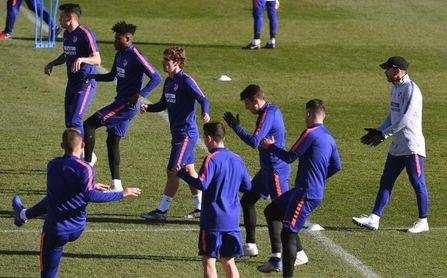 """Simeone: """"No hemos hablado con el club de fichar"""""""