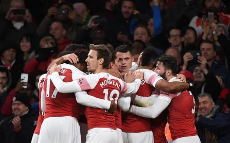 El Arsenal cumple a última hora con una tijera de Torreira