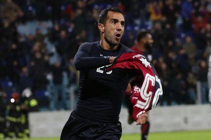 El Roma desaprovecha un 2-0 en Cagliari y empata 2-2 en un 11 hombres contra 9