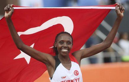 Yasemin Can primera mujer tres veces campeona de Europa de cross