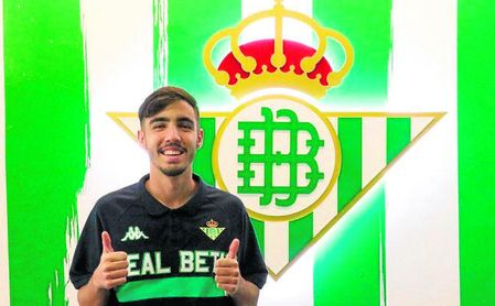 Roberto Rodríguez Abreu firmó ayer su ampliación de contrato hasta 2022.