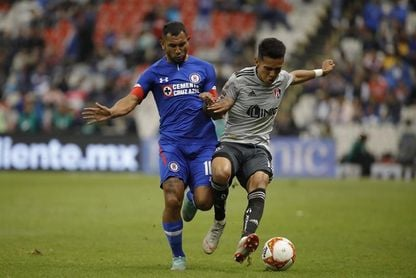 Argentino Montoya salió de Cruz Azul por no estar a la altura, dijo Caixinha