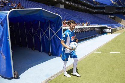 Javi López y Mario Hermoso se ejercitan al margen