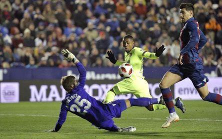2-1: Un Levante consistente puso en apuros a un dubitativo Barcelona