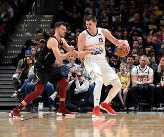 124-102. Jokic aportó un triple-doble en la victoria de los Nuggets ante Cavaliers