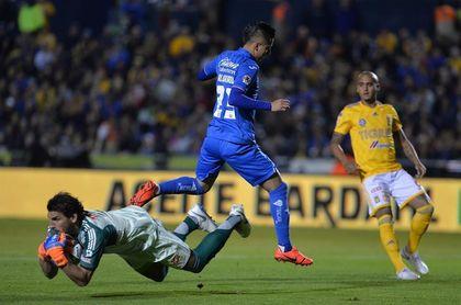 El Cruz Azul vence 0-1 a los Tigres UANL y logra su primer triunfo del año