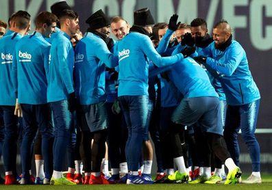 Boateng entra en la lista de convocados ante el Sevilla y Denis Suárez se queda fuera.