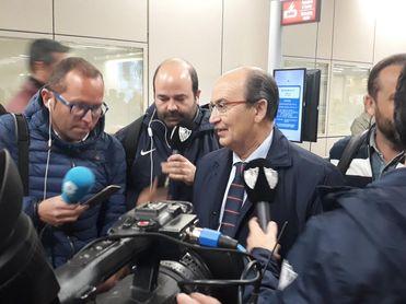 José Castro atiende a los medios en Roma.