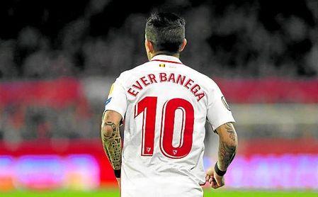 Éver Banega se perderá por sanción el partido de LaLiga ante el Villarreal y el de UEL frente a la Lazio.