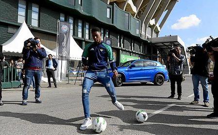 El Real Madrid sigue muy de cerca a Junior Firpo.