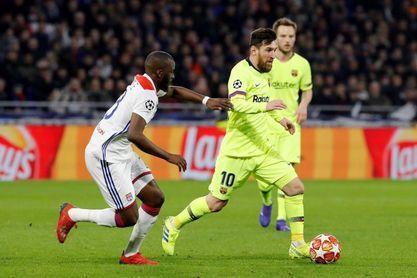 Lyon y Barcelona empatan a cero al descanso