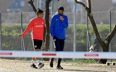 "Machín resalta que Banega suple su falta de físico con ""inteligencia táctica""."