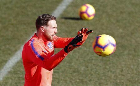 Oblak en el entrenamiento del Atlético.