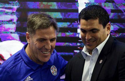 """Berizzo aterriza en Paraguay con el """"compromiso total"""" de llegar al Mundial"""