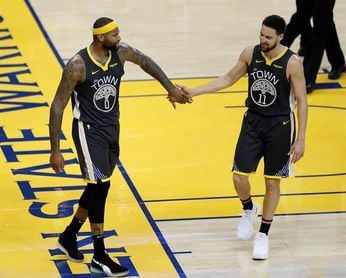 104-106.Thompson y Warriors, sin Durant, vencen a Rockets en duelo de líderes