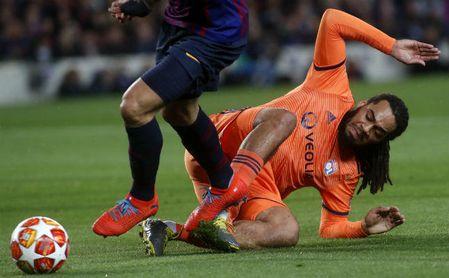Luis Suárez volvió a crear polémica con un dudoso penalti