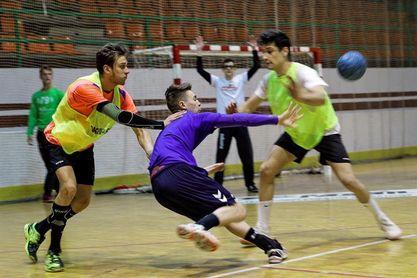 Ramiro, el joven que sin mano izquierda juega al balonmano