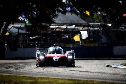 Alonso, más líder, sobrevoló triunfal los baches de Sebring