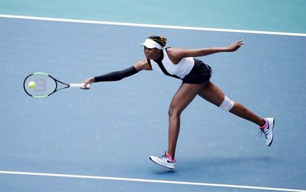 Venus Williams elimina a Súarez-Navarro y Andreescu, a Kenin