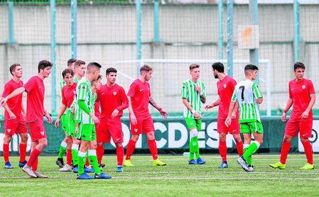 Imagen del derbi de la primera vuelta en la Ciudad Deportiva Luis del Sol.
