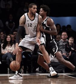 Kings y Spurs pelearán hasta el final la última plaza de los playoffs del oeste
