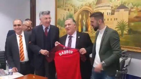 Dabbur presume del Sevilla en Nazaret