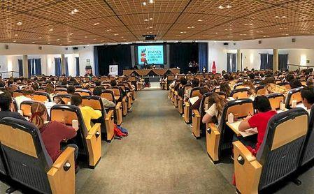 La Fundación Coca-Cola reúne a 2.296 jóvenes andaluces en su concurso de relato corto