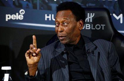 La Conmebol otorga a Pelé su máxima condecoración