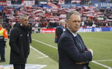 """Caparrós dice que los penaltis llegaron tras """"gestos involuntarios"""" de sus jugadores."""